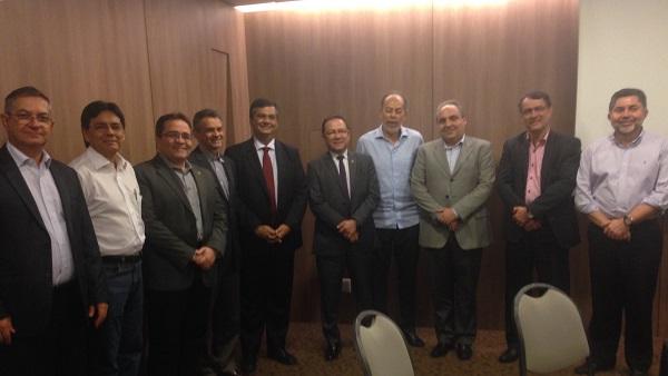 Reunião de Flávio Dino e diretoria do BNB