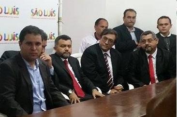 Prefeito Edivaldo Holanda dividiu mesa com os novos aliados do PRB durante solenidade de nomeação