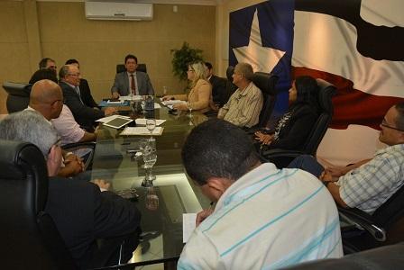 Foto 1 - Governo estabelece diálogo com Sinpol e Apotec
