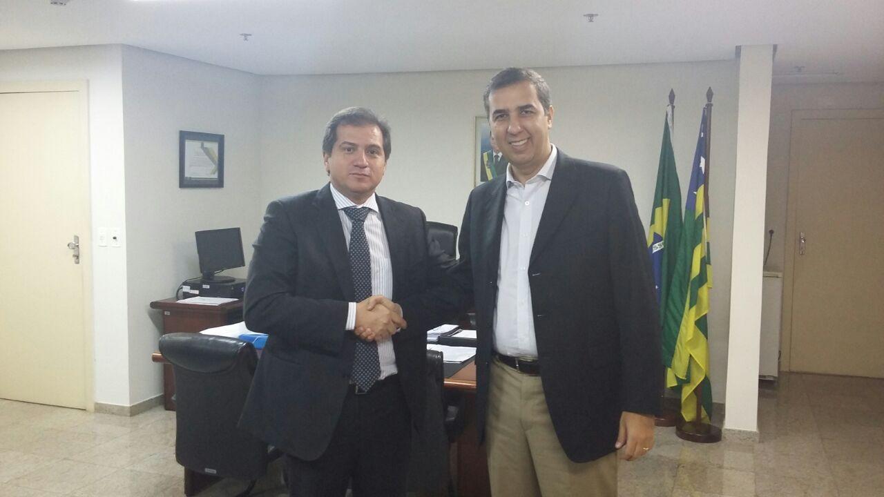 Secretário Simplício Araújo reúne com secretário de Goiás, José Eliton, para conhecer projetos exitosos.