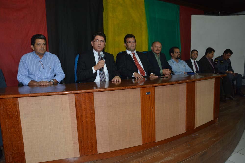 Reunião foi realizada na sede da Secretaria Municipal de Turismo