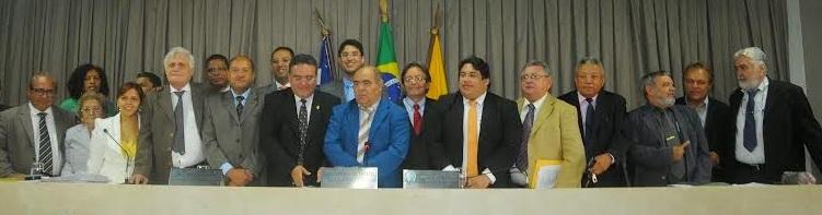 Vereadores com o senador Roberto Rocha.