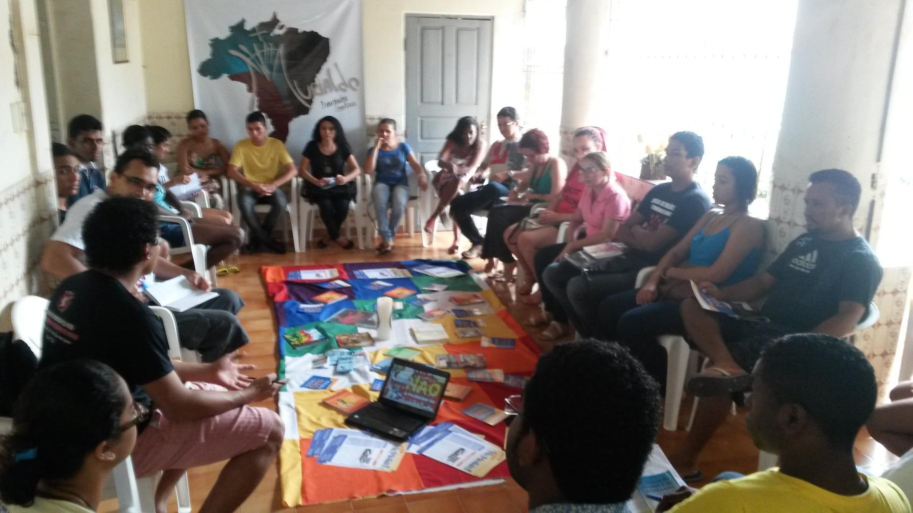 Secretária Tatiana Pereira debateu a problemática da redução da maioridade penal com jovens