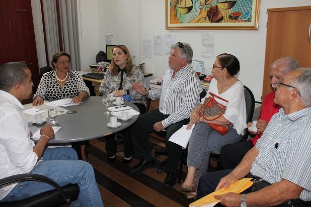 Reunião Oriana Gomes (esq.) coordenou a reunião