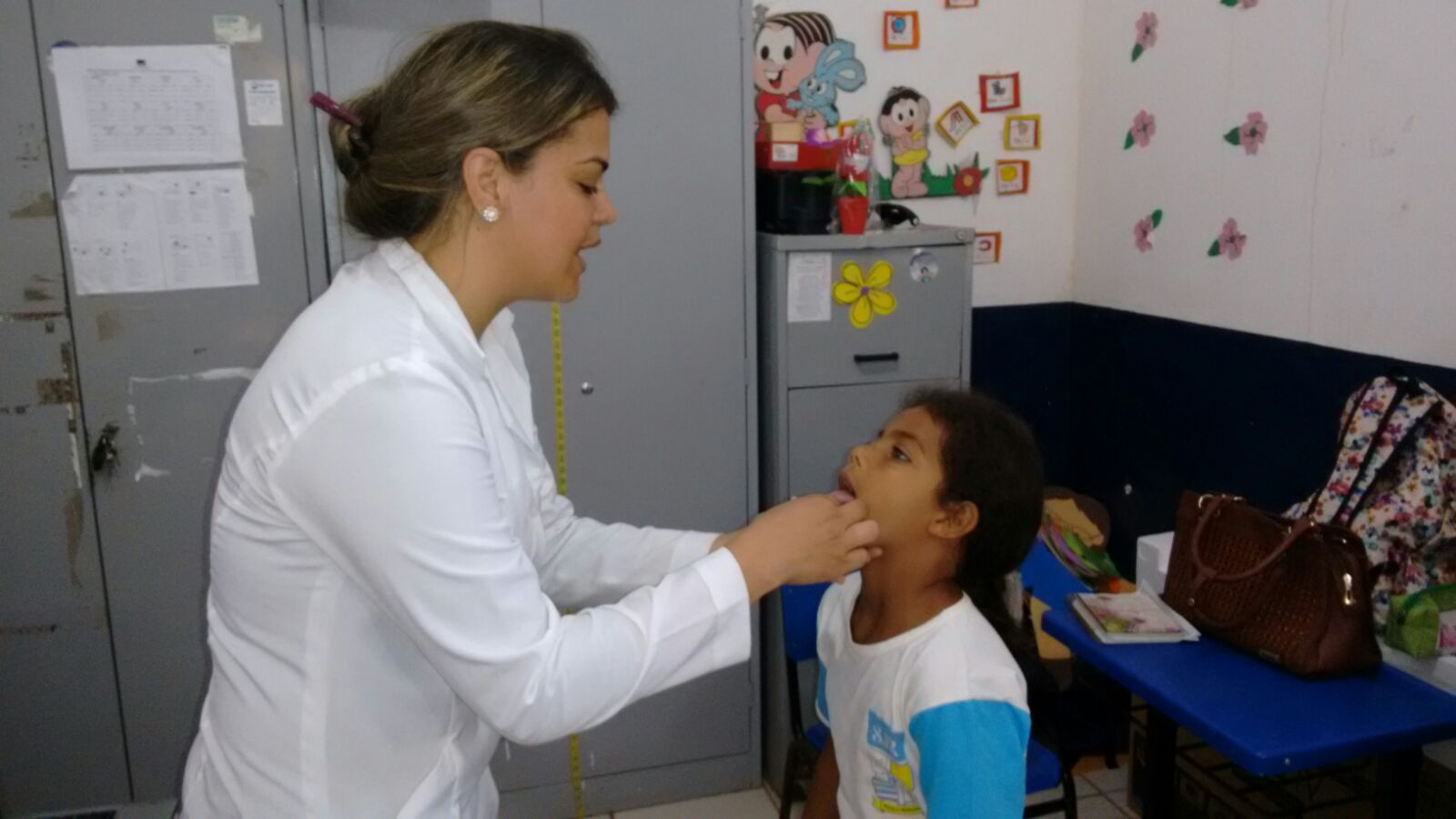 Equipes da saúde estão percorrendo as Escolas Municipais de São José de Ribamar e atuando junto aos alunos.