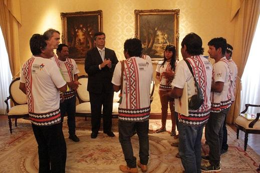 Foto 9 - Governador recebe delegação índigena
