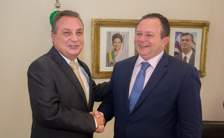 Foto1_KGE_-Carlos-Brandão-recebe-deputados-federais-e-lideranças-políticas