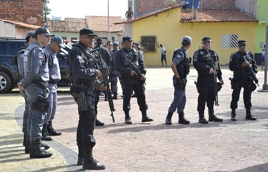 foto_14_karlos-geromy_20_05_policia-na-rua