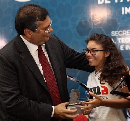 foto-3_fellipe-neiva_secti_20102016-governador-flavio-dino-premia-pesquisadores