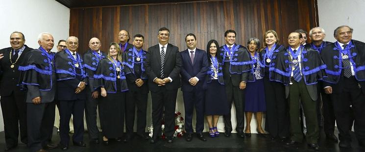 Governador Flávio Dino e prefeito Edivaldo Holanda prestigiam posse de Felipe Camarão na ALL.