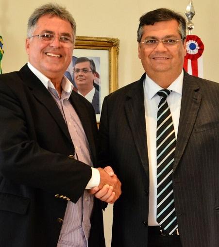 Governador ao lado de secretários de Estado e comitiva de Aldeias Altas. Foto: Nael Reis/Secap