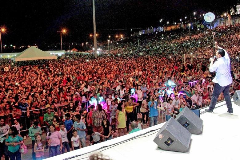 """Maria Aragão recebe o show """"Virada com Jesus"""" no fim de ano"""
