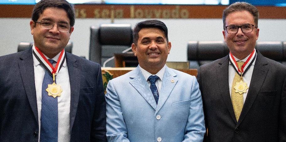Wellington do Curso homenageia advogados maranhenses na Assembleia Legislativa