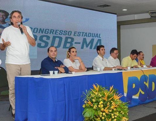 Ricardo Murad e sua filha Andrea foram presenças marcantes no evento do PSDB que teve Braide no centro da mesa.