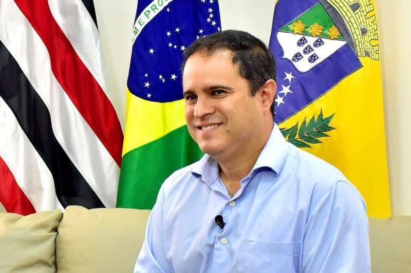 Edivaldo anuncia pagamento de abono salarial aos professores da rede municipal de São Luís