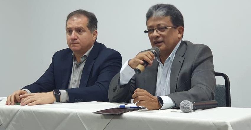 Madeira falou ladeado pelo presidente estadual do SSD, o secretário de Industria e Comercio do governo Flavio Dino, Simplício Araújo...