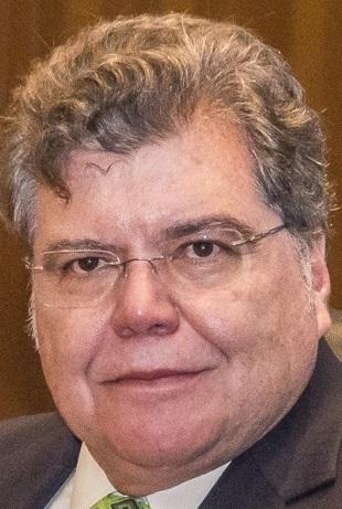 Sarney Filho diz a cabo eleitoral que está pendurando as chuteiras na política