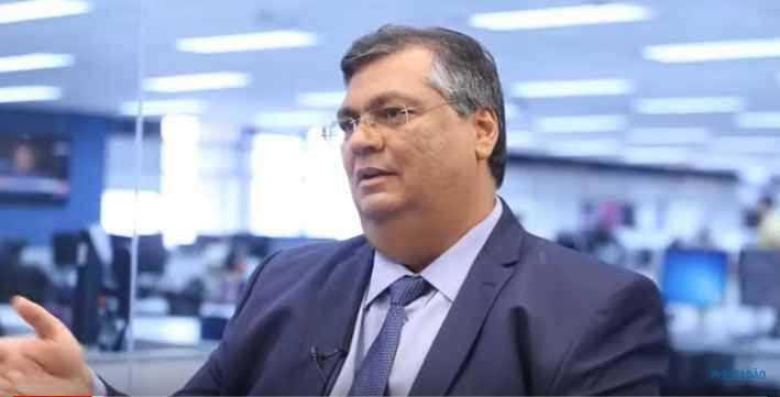 Governador do Maranhão durante entrevista...