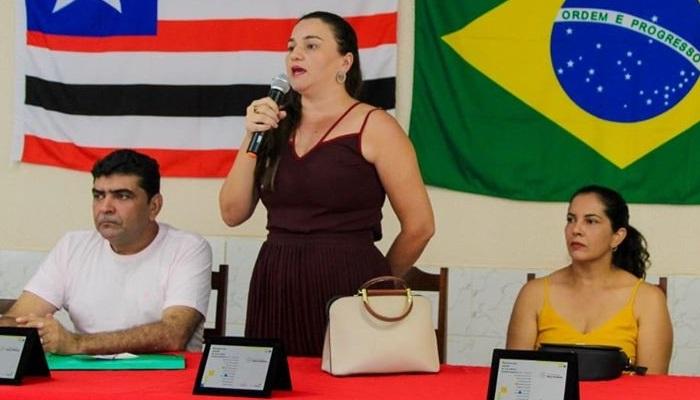 Profª Márcia Moura era o único fruto não apodrecido da gestão Carlos do Biné...