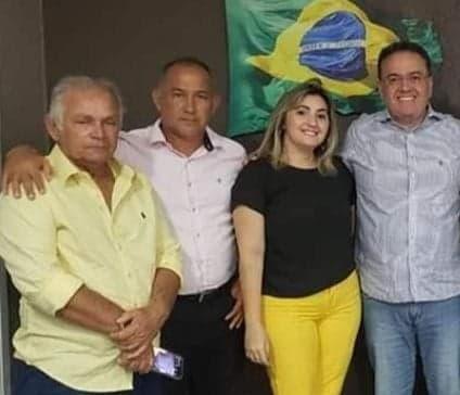"""Alan e Moeira fizeram """"cara"""" de poucos amigos diante da surpresa da filiação de Ociléia no PSDB..."""