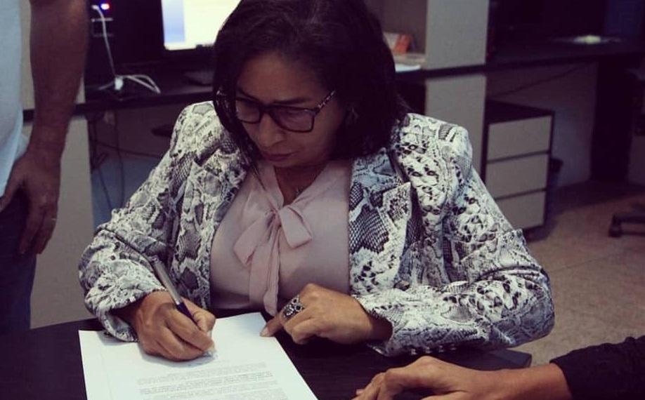 Assinatura de Paula torna-se sem validade com a volta de Dutra...