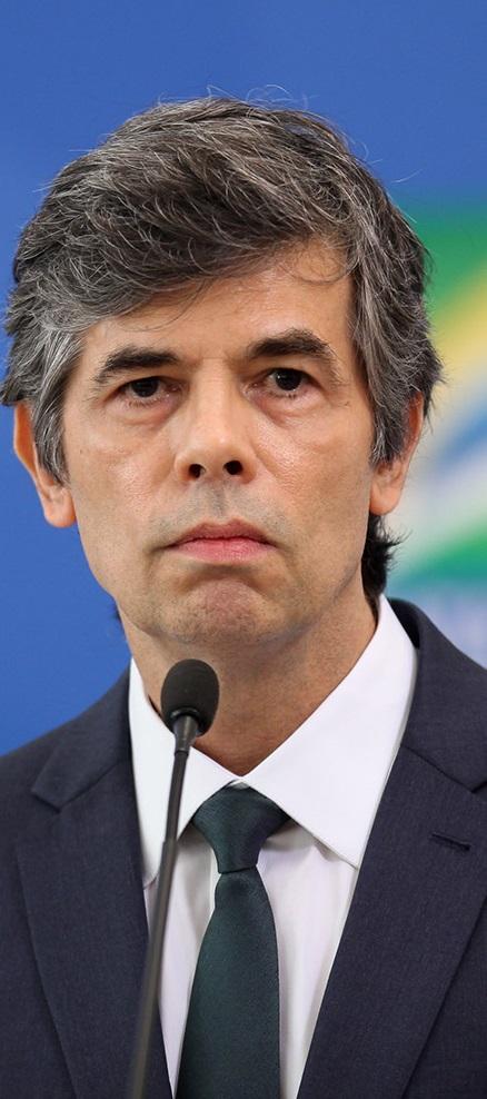 Em nota, pasta informou que ele pediu demissão. Nos últimos dias, Teich e Bolsonaro discordaram de temas como uso da cloroquina e medidas de isolamento.