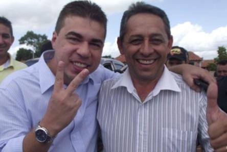 """Após """"deitar e rolar"""" em Presidente Dutra, prefeito Juran Carvalho ainda quer eleger o sucessor: Biné Soares."""