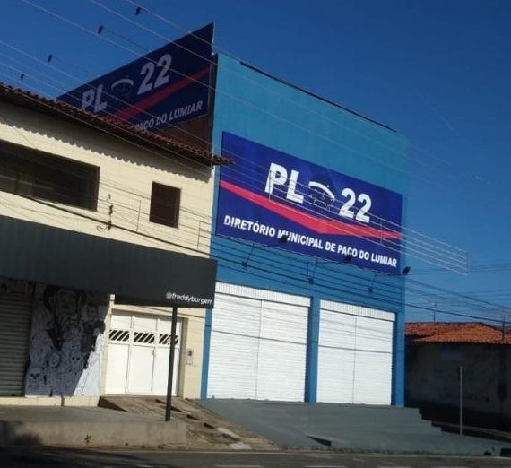 Sede do diretório do PL, em Paço...