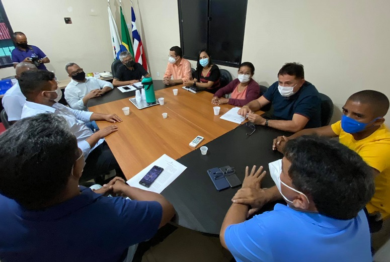 Segundo parada foi no gabinete do prefeito Eudes Barros...
